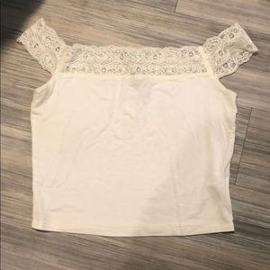 LF LACE OFF THE SLEEVE TOP